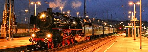 01 150 mit der ersten Reisezugleistung puenktlich auf die Minute in Heilbronn - Foto J. Buegel
